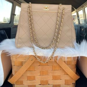 CHANEL Quilted Lamb Leather Chain Tote